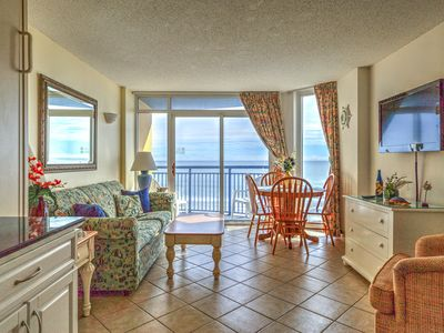 Photo for Oceanfront,fifth floor,near Skywheel,pool,amenties at resort,sleeps six