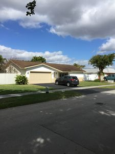 Photo for CLEAN CRISP HOME FOR YOUR STAY IN SOFL CLOSE TO TURNPIKE, MALLS, ATTRACTIONS
