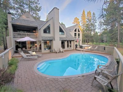 Photo for Enjoy your own private pool in Sunriver!