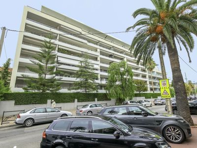 Photo for Apartment Cristal Croisette in Cannes - 2 persons, 1 bedrooms
