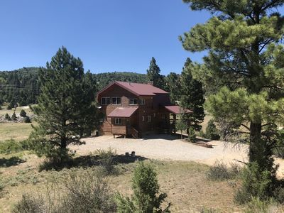 Photo for Luxury 4 BR Mountain Home - 35 min to Bryce or Zion - 3 Acres
