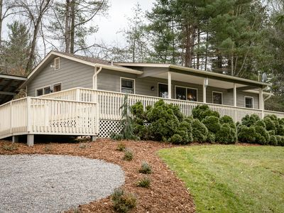 Photo for Bluebird Cottage at Bluegrass Lane. Hot tub, fire pit, pet friendly!