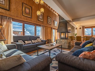 Photo for Upscale Chalet - 6 Bedrooms - Sauna & Jacuzzi - Ambience