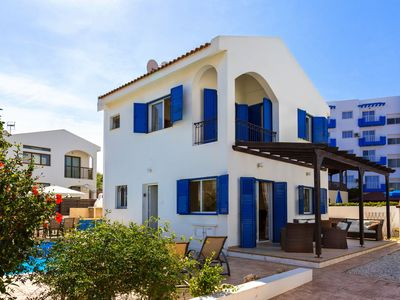 Photo for Villa Evace - 3 Bedroom Villa - Large Private Pool & FREE Wifi - 100m from Beach