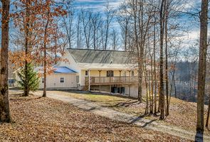 Photo for 3BR House Vacation Rental in HILHAM, Tennessee