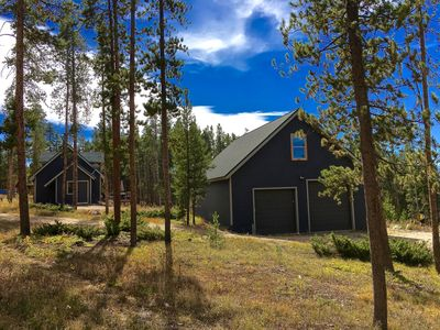 Photo for Charming Cabin in the woods, 2 Bedrooms, 2 bath, access to private fishing ponds