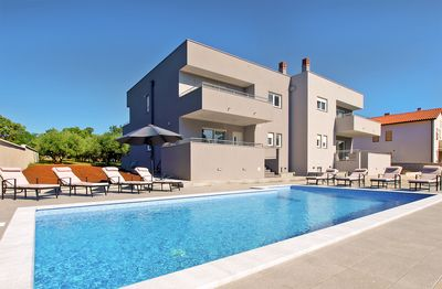 Photo for Holiday house Pula for 8 persons with 4 bedrooms - Villa
