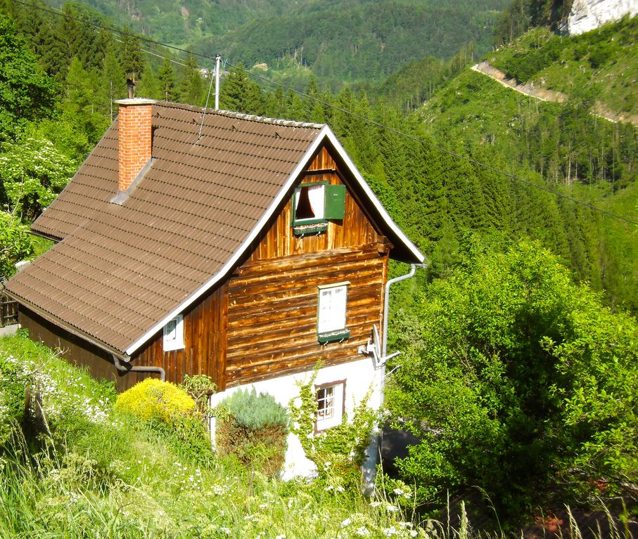 Cottage in alta austria ennstal calcare a 6 pers 2 for Case kit cottage 2 camere da letto