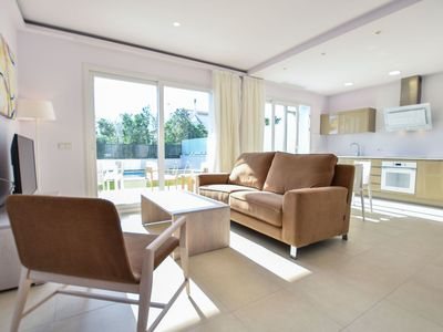 Photo for Cosy apartment for 6 people with WIFI, A/C, private pool, TV and balcony