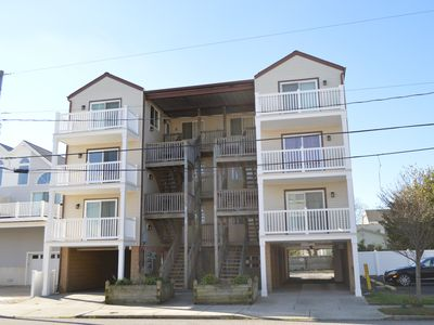 LOVELY 3 BEDROOM 2 BATH CONDOMINIUM A SHORT 2.5 BLOCKS TO THE BEACH