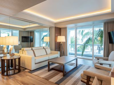 Photo for Charming beachfront condo with Large Balcony