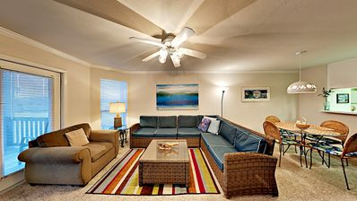 Photo for FB14 Vacation Condo, Large Shared Pool,2 Bedroom, 2 bath, Sleeps 4
