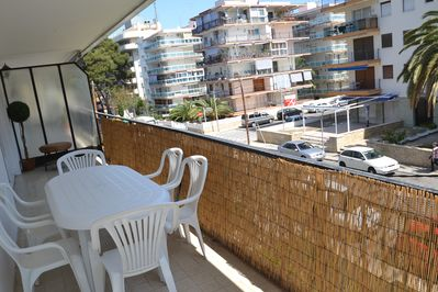 The Rosana, in a residence of Salou's tourist centre, has a large corner terrace