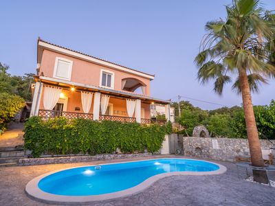 Photo for Dryades Villa. Located 8 km away from the beach of Rethymnon