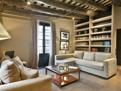 Photo for Vintage and trendy family flat in Born – Gothic area