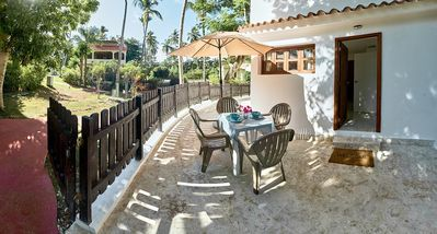 Our guests enjoy the quiet location close to the beach.