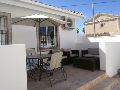 Photo for 2 bedroom newly renovated bungalow close to bars & restaurants