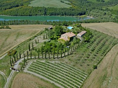 Photo for Enjoy your stay in a luxury holiday villa in Tuscany