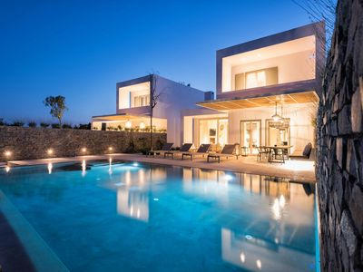 Photo for UNPRETENTIOUSLY LUXURIOUS. Exclusive Estate Paros 8 bedrooms Large pool