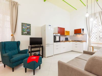Photo for Quiet Vittorio Emanuele apartment in Vomero with WiFi & lift.
