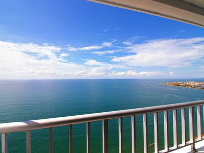 Photo for Palmetto Apartment - Ocean Front CT05