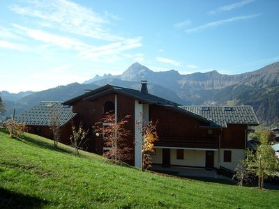 Photo for Apt 6 pers. spacious with exceptional views. Close to ski slopes. South terrace