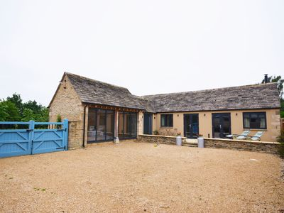 Photo for 1 bedroom Barn in Lechlade - 31912