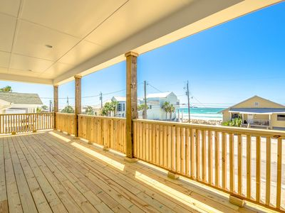 Photo for The Seahorse: 7 BR / 4.5 BA beach house, Private Pool, Great Amenities