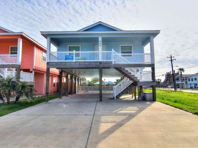 Photo for Blue Fin Beach House: PRIVATE POOL, Close to the Beach/Town, Golf Cart Access