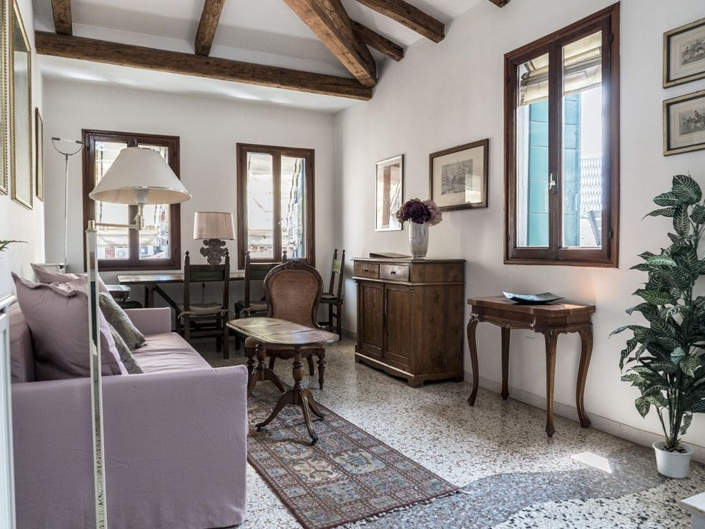 Unique apartment in Venice with 3 terraces facing the ...