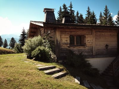Photo for Cosy apartment located 600m from the slopes