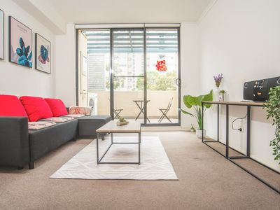 Photo for Spacious 2Beds APT Close CBD In Heart of Waterloo