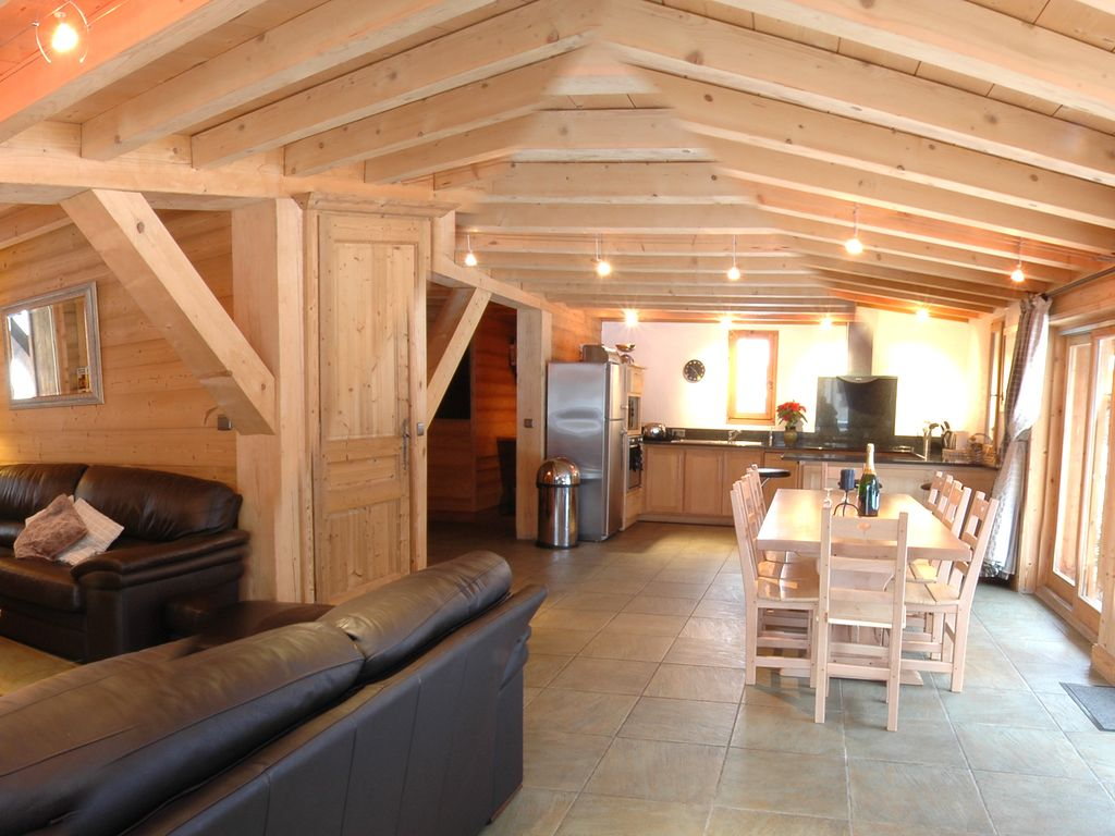 Chalet les Islouts : Chalet les Islouts, Luxury 4 bedroom Chalet in ...