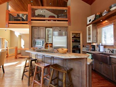 Photo for Stonegate #14 Luxury Cabin with Hot Tub - Walking Distance to Village & Gondola!