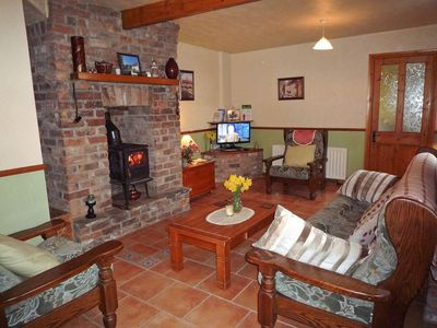 Photo for 2 bedroom property in Killarney. Pet friendly.