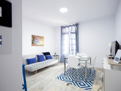 Photo for SUPER APARTMENT WITH CANARY BALCONY AND FRONT OF THE SEA. EXCELLENT LOCATION