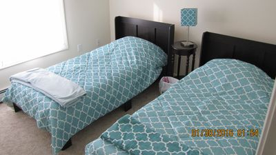 MAIN LEVEL BEDROOM WITH TWO TWIN