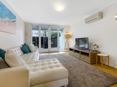 Photo for Fantastic West Beach Apartment - only 200m to the beach... free Wi-Fi & parking