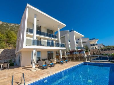 Photo for Luxurious 5 bedroom villa,With spectacular panoramic views