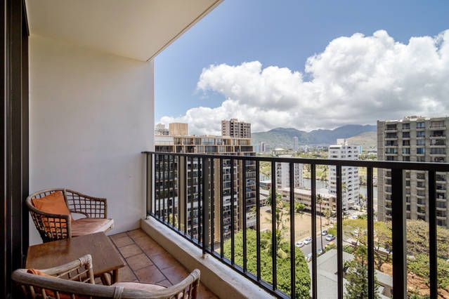 The Banyan 1507-Mountain View with Free Parking!