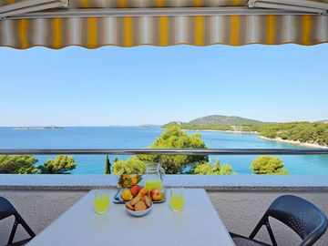 Search 3,136 holiday rentals