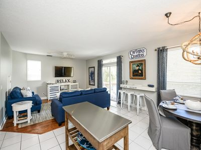 3 Bedroom. Sleeps 10. Great Value. ACROSS the STREET from SIESTA KEY BEACH. Close to Everything. Shared Heated Pool and Game Room.Property Manager Program Included.