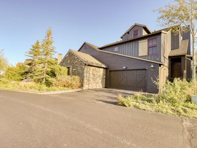 Photo for Luxury townhome w/ gourmet kitchen & shared hot tub - close to skiing & golf!