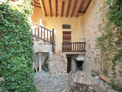 Photo for Stone house with courtyard and terrace, quiet area in the hinterland