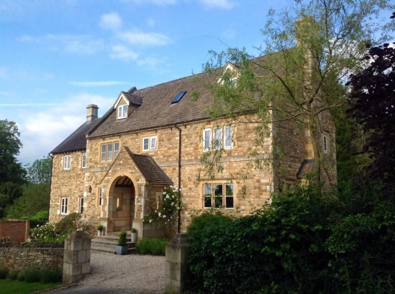Hillside House, Near Chipping Norton, A Luxury 7 Bedroom Family Home