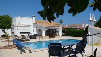 Photo for Charming villa, 5 people, with private pool, 500 m from the sea.