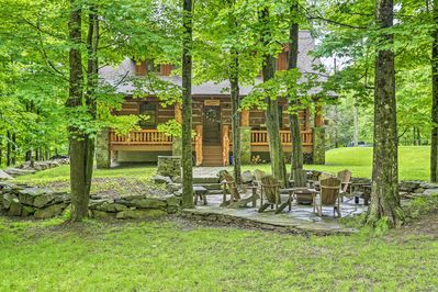The 3-bedroom, 3-bath home is perfect for family-friendly getaways to the lake.