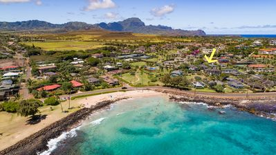 The cottage is a three minute walk to the beautiful beaches of Po'ipu.