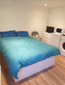 Photo for Lovely double bed studio flat