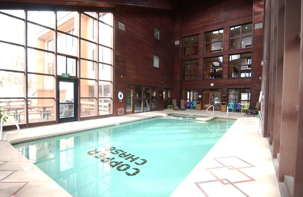 Brian head condo pool jacuzzi ski in out fitness